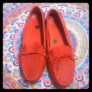 Adorable Tory Burch tassel loafers